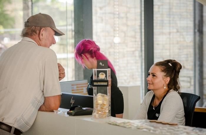 Haapsalu linnuse muuseumi töötajate kontaktid