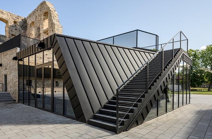 Haapsalu linnuse muuseumi sissepääsupaviljon_Tõnu Tunnel