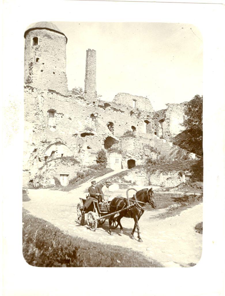 Hobuvanker Haapsalu lossivaremetes 20. sajandi alguses