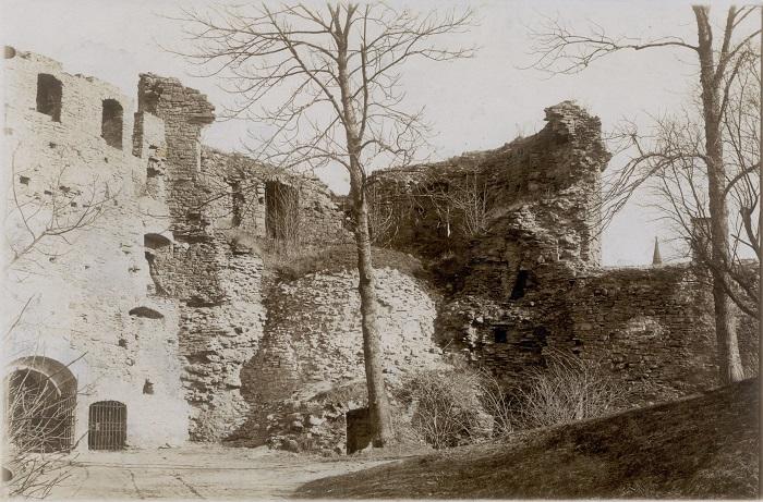 Haapsalu linnuse varemed